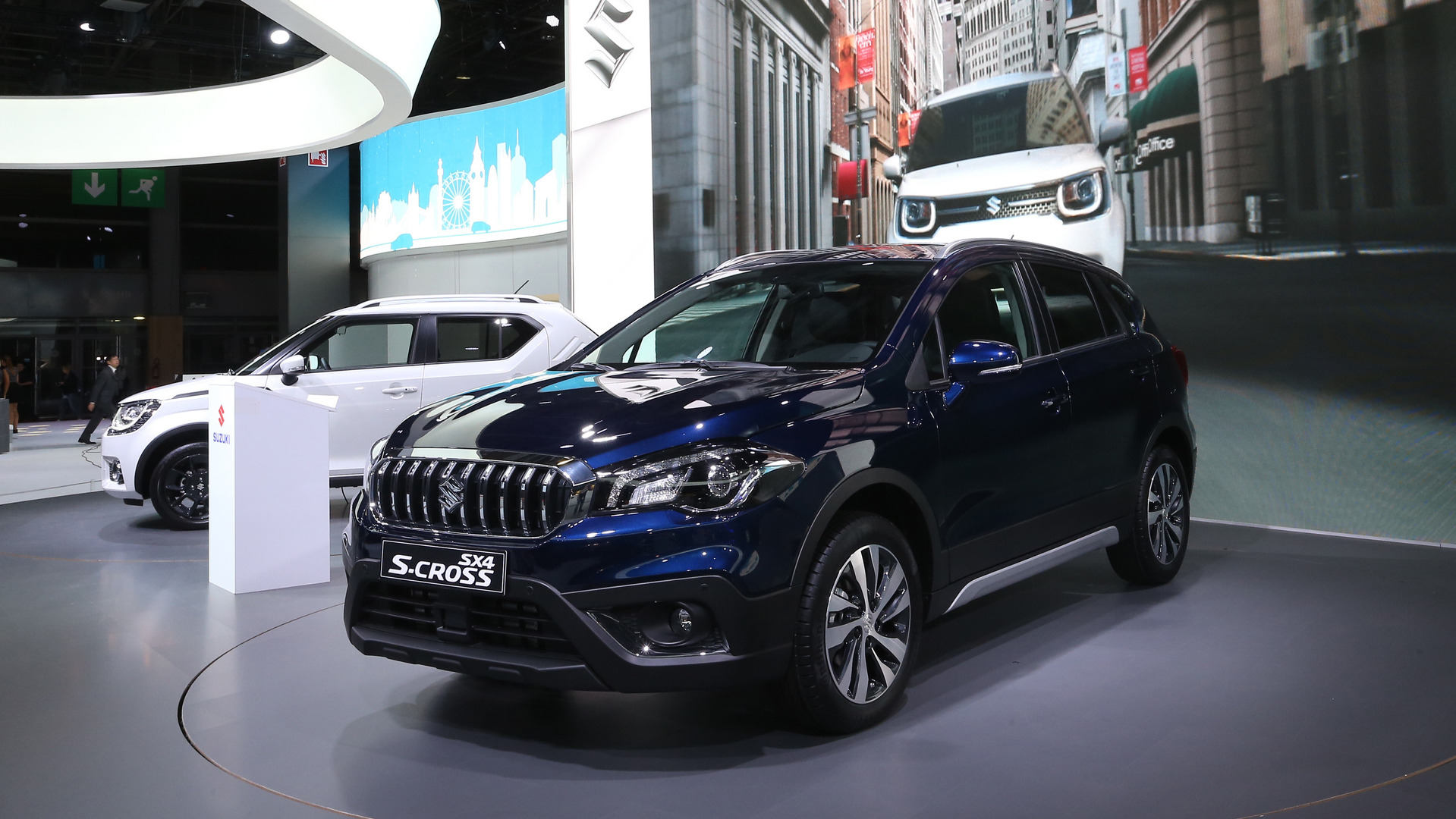 suzuki sx4 s cross brings significant facelift to paris. Black Bedroom Furniture Sets. Home Design Ideas