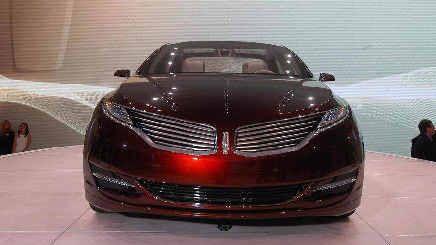 Lincoln MKZ Concept literally smokes on show floor [video]