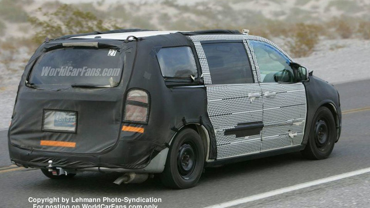 Chrysler Caravan Spy Photo