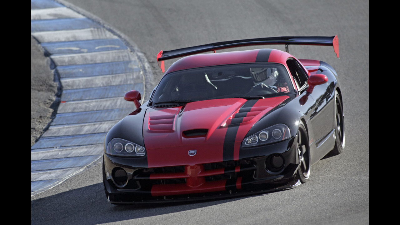 Dodge Viper SRT10 ACR record a Laguna Seca