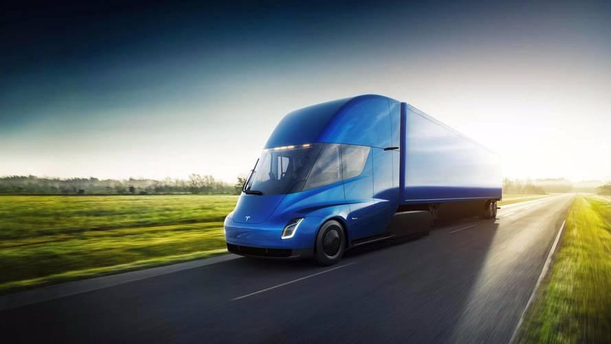 Tesla revela caminhão elétrico com 805 km de autonomia