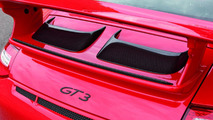 Motorsport Accessories from Porsche Tequipment for 911 GT3 and 911 GT3 RS: Spoiler lip carbon and ram air scoop carbon