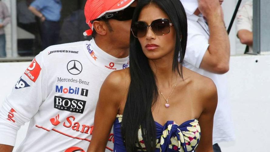 Hamilton denies girlfriend split