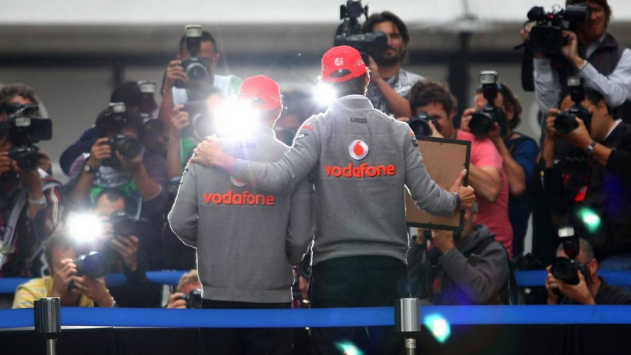 Button should help Hamilton now, thinks Horner