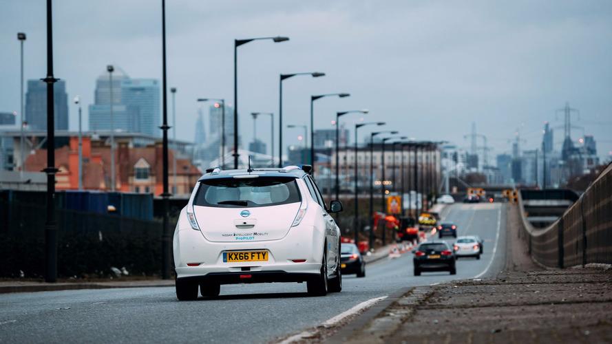 Otonom Nissan Leaf, Londra trafiğinde sorun yaşamış