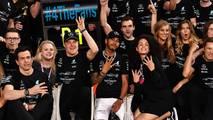 Fotos de Lewis Hamilton, piloto del año Autosport Awards 2017.
