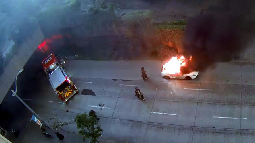 Watch This Lamborghini Gallardo Burn To a Crisp In Seattle