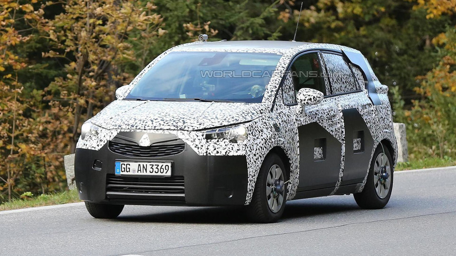 2017 Opel Meriva spied undergoing testing [video]