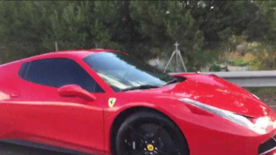 Neymar bate sua Ferrari 458 Spider a caminho da concentração