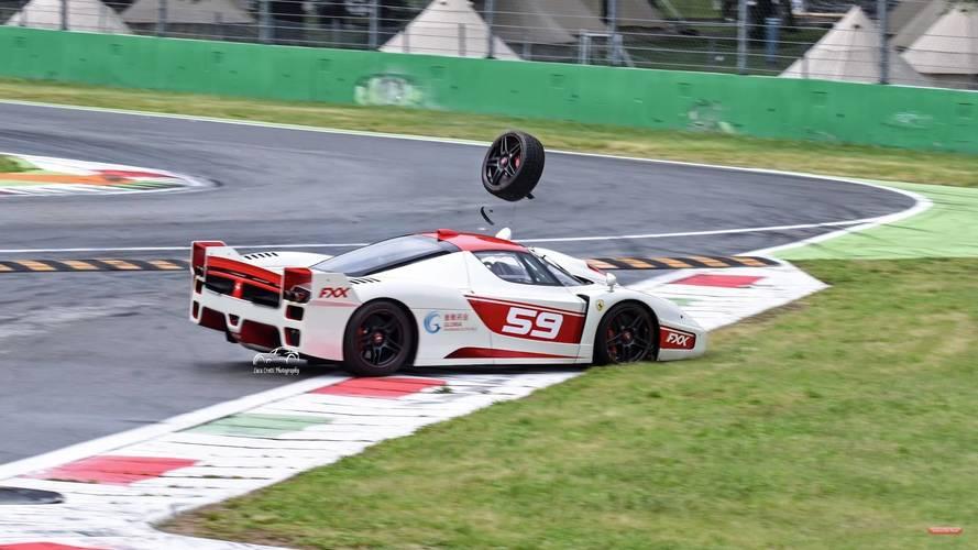 Olyat csattant a Ferrari FXX EVO, hogy azt még nézni is fáj