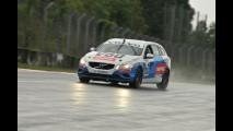Volta rápida (e molhada): Volvo S60 e V60 T6 R-Design entre raios e trovões