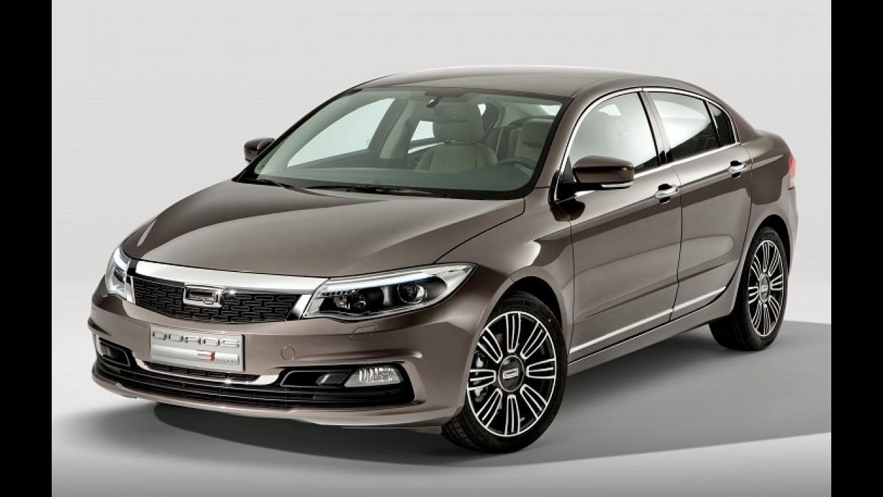 Qoros comemora 2014 com entrega de primeiro carro a cliente na China