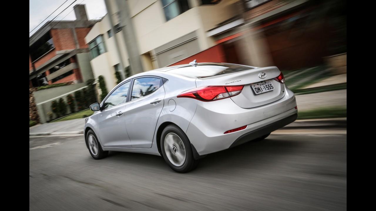 Hyundai Elantra: estreia da nova geração é antecipada para 2015