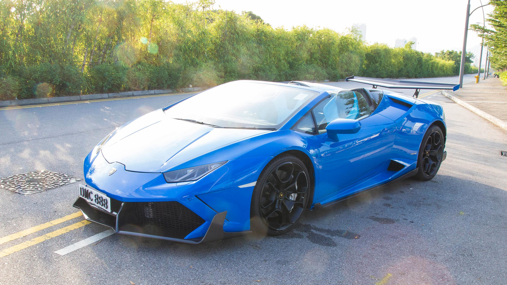 this huracan spyder is absolutely evil with 1088 hp