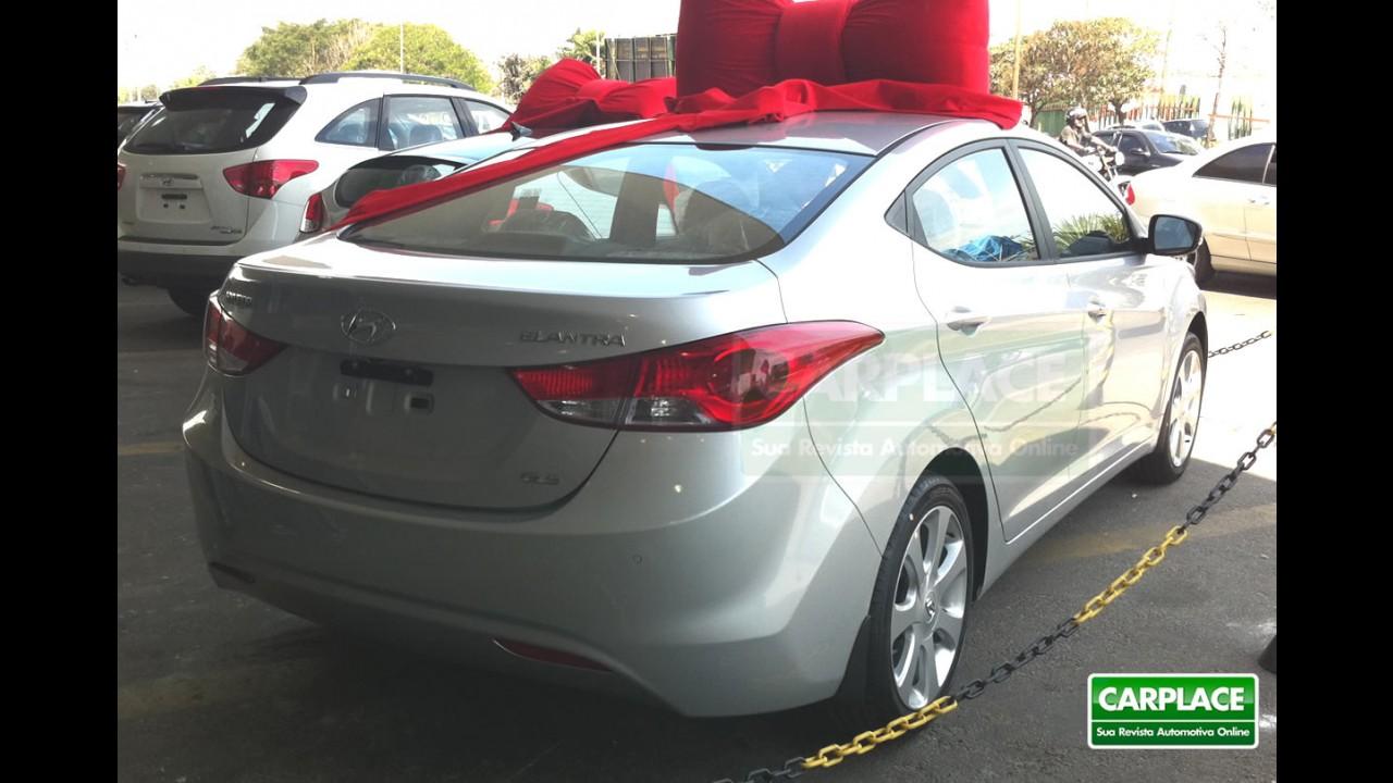 Novo Hyundai Elantra 2012 já chegou nas lojas - Preços variam de R$ 71.700 a R$ 84.200