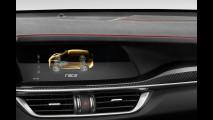 Alfa Romeo Stelvio Quadrifoglio, gli interni in alcantara 005