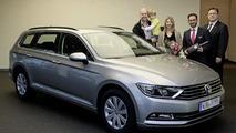 Volkswagen delivers first 2015 Passat