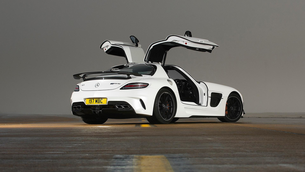 50 years of amg driving the mercedes sls amg black series. Black Bedroom Furniture Sets. Home Design Ideas
