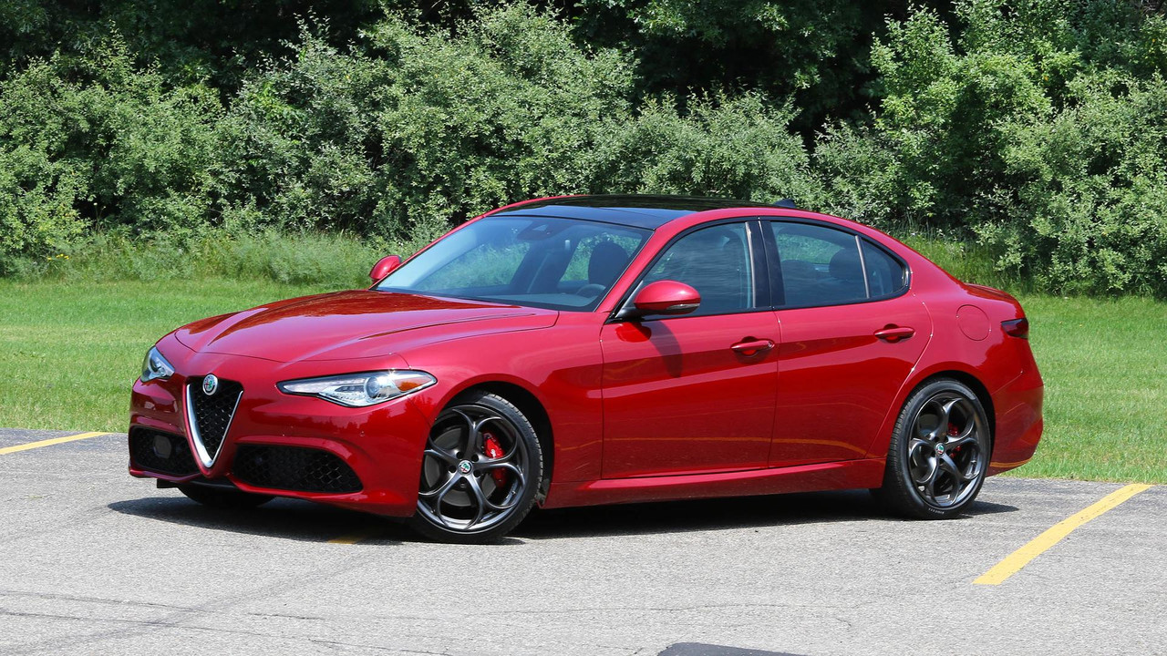 Alfa Romeo Giulia Likely Getting 350 Horsepower Engine