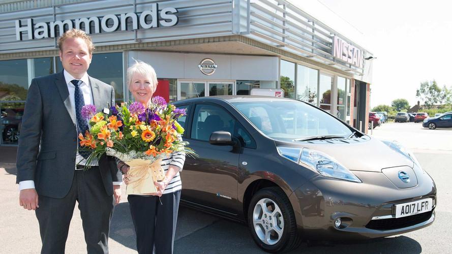 Nissan 20,000 Leaf Sales In UK