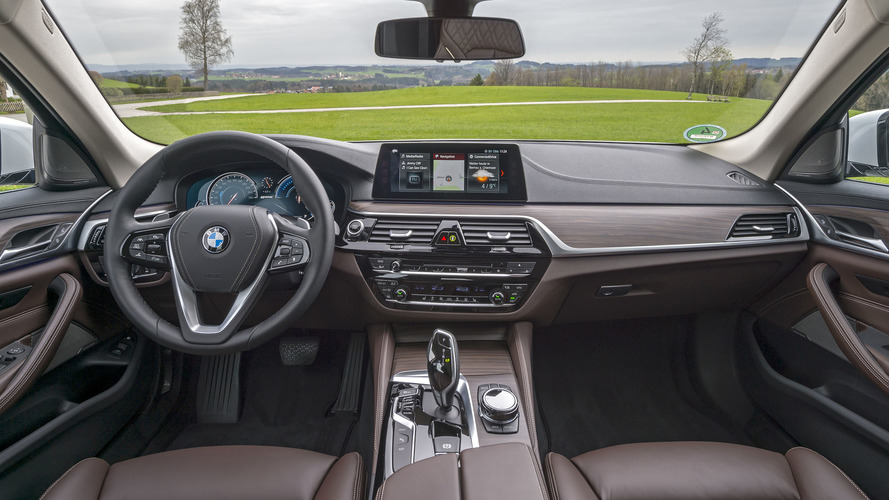 2018 BMW 530e: Review