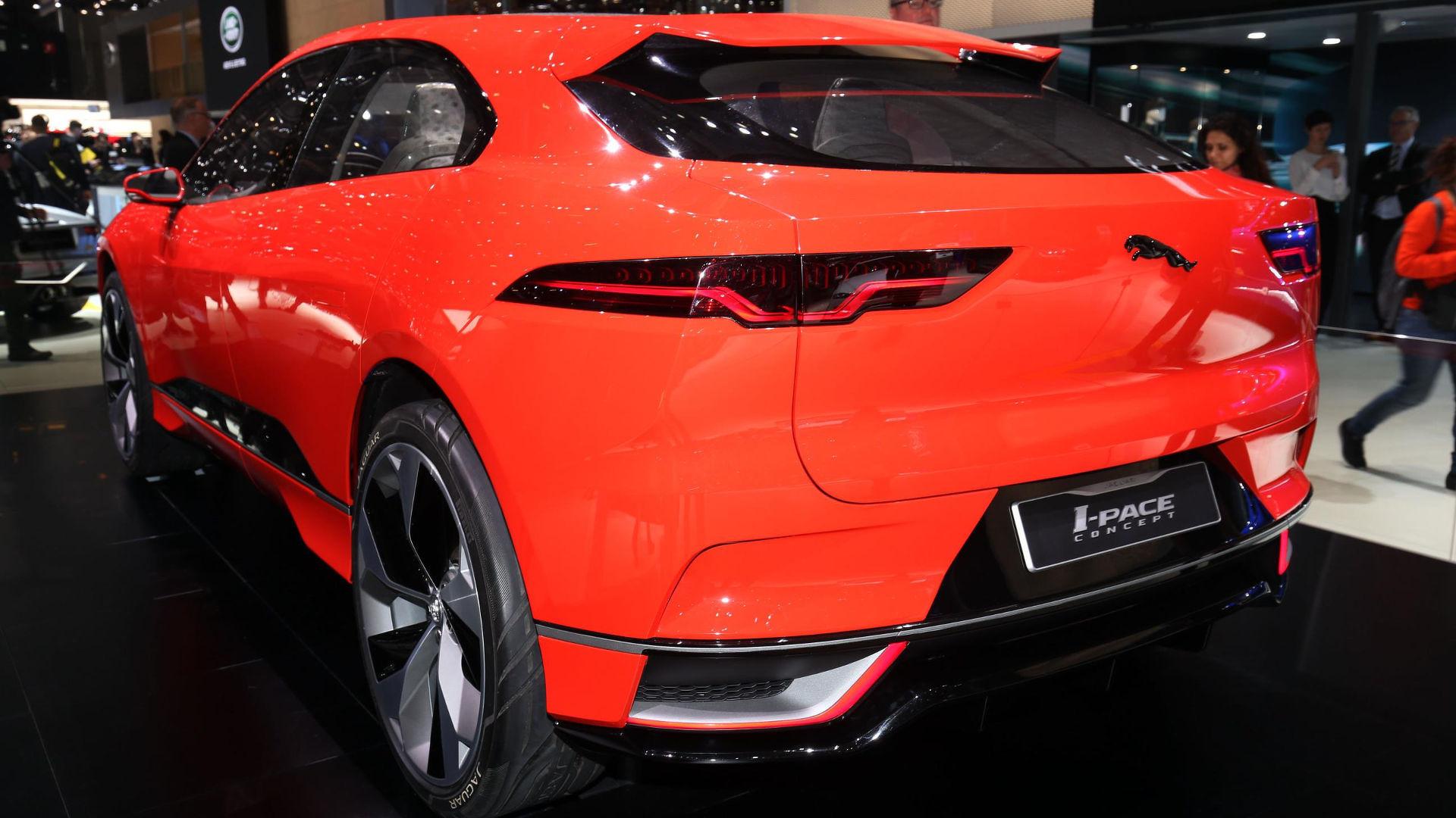 coupe auto angeles car reveal type f dealership jaguar show jaguarleadla spondent los