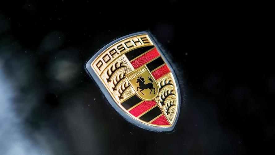 Yeni Porsche 911 kamuflajsız olarak sızdırıldı!