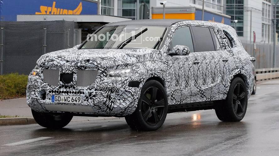 Mercedes GLS Serisi yağmurda test edilirken yakalandı