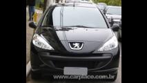 Sem nenhum disfarce: Novo Peugeot 207 Compact 2009 é flagrado novamente