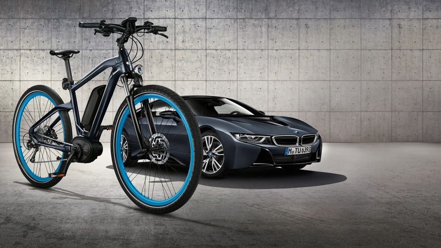 BMW Cruise e-Bike matches i8 Protonic Dark Silver Edition