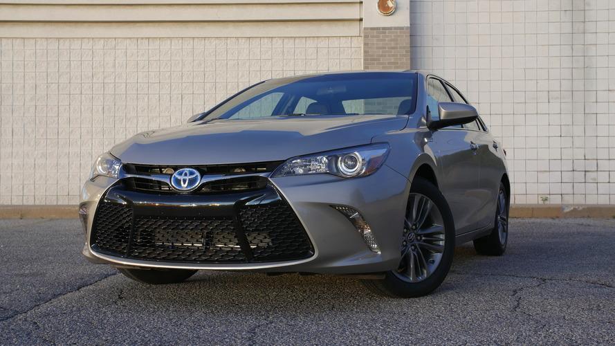 2017 Toyota Camry Hybrid   Will It Bike?