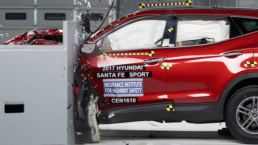 Hyundai beefs up Santa Fe Sport, earns Top Safety Pick+ rating