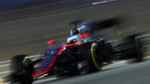 McLaren 'on verge of points' now - Alonso