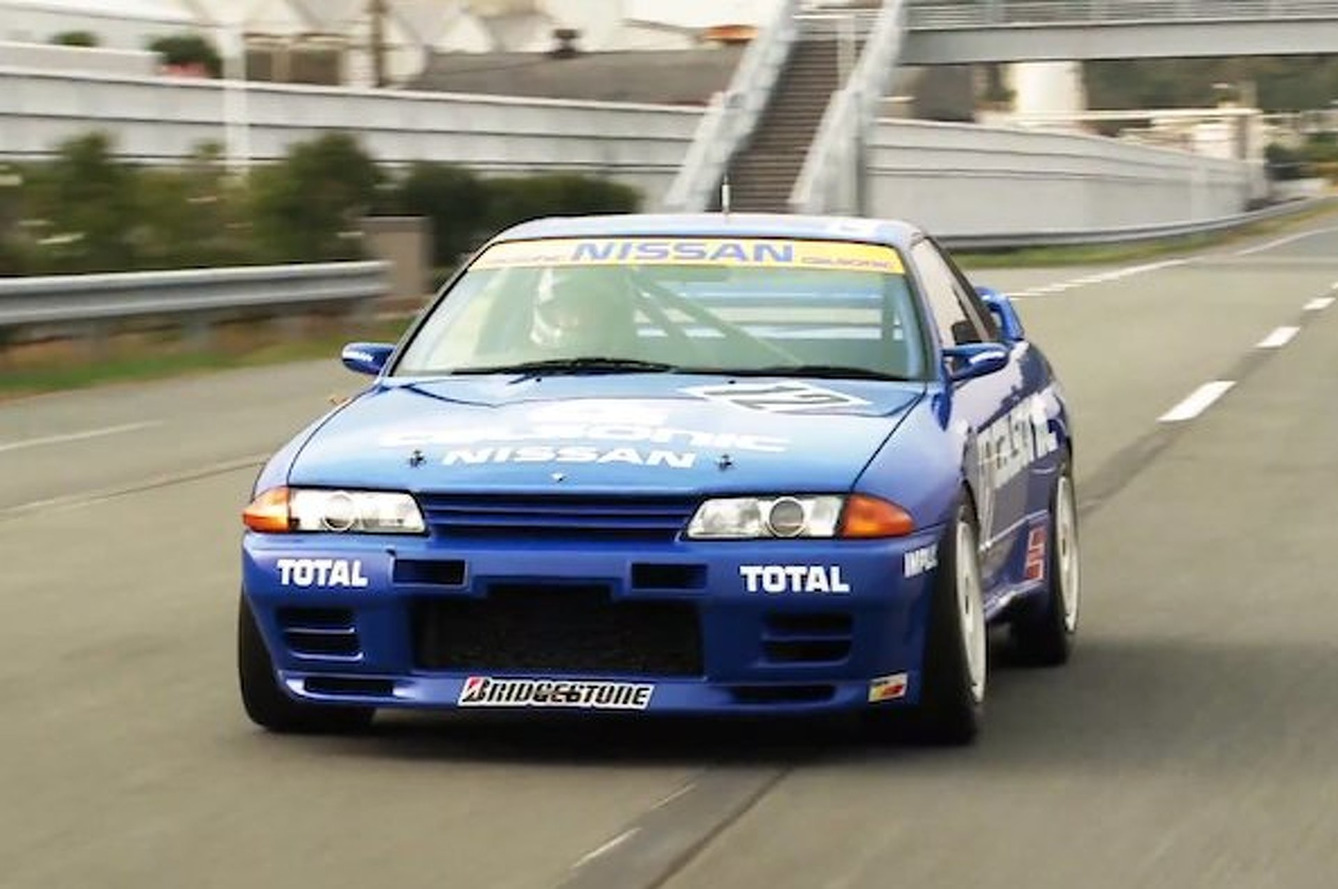 EVO Drives Classic Calsonic Skyline R32 GT-R Race Car
