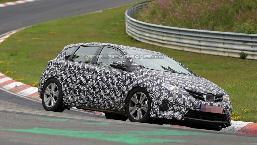 Toyota Auris Cross spied on the Nurburgring