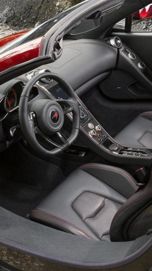 McLaren MP4-12C Spider hits the track [video]