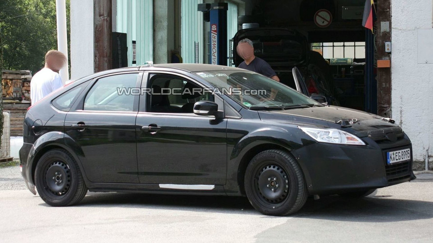 Next Generation 2011 Ford Focus Mule First Spy Photos