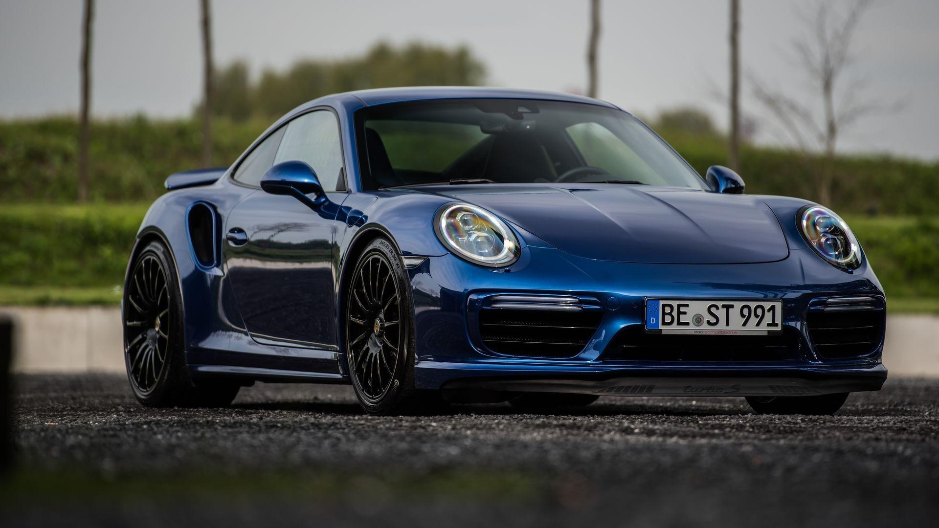 fastest porsche 911 turbo s of this generation hits mph. Black Bedroom Furniture Sets. Home Design Ideas