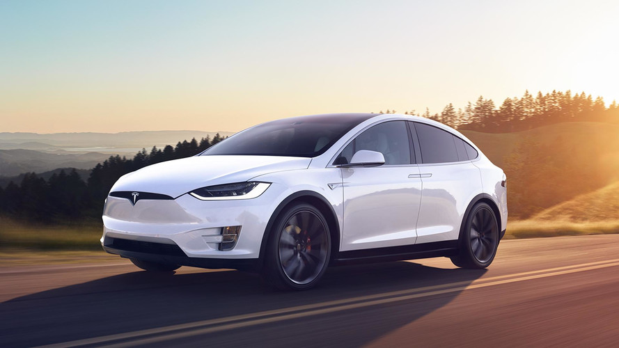 le tesla model x baisse son prix de 3000. Black Bedroom Furniture Sets. Home Design Ideas
