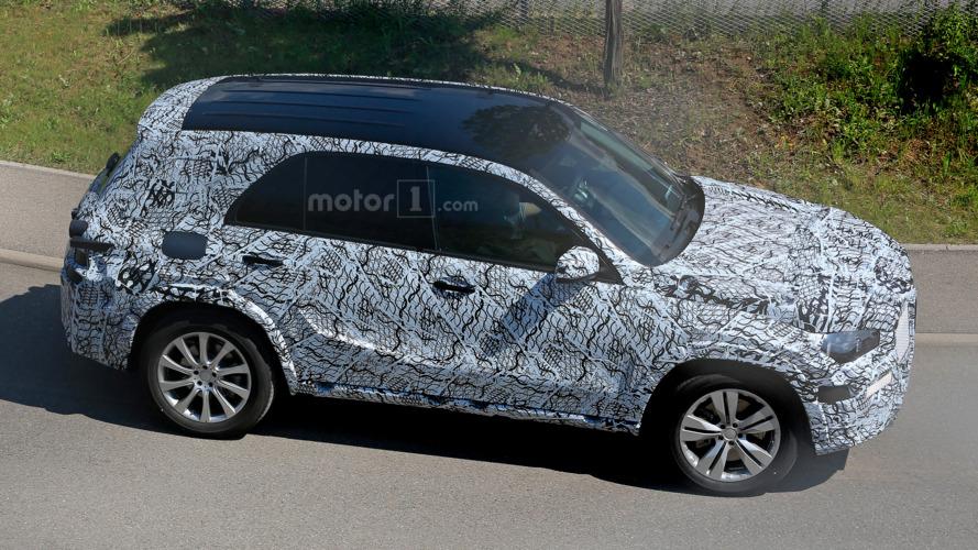 Next-gen Mercedes-Benz GLE spied testing
