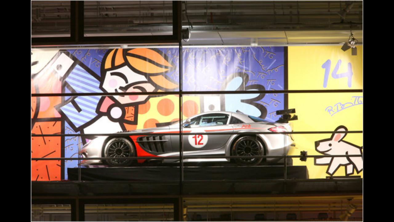 14. Dezember: Mercedes SLR GT, mit Romero Brittos ,Friends