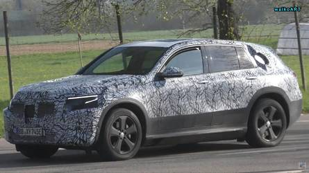 Mercedes EQ C Spotted In Traffic During Final Testing