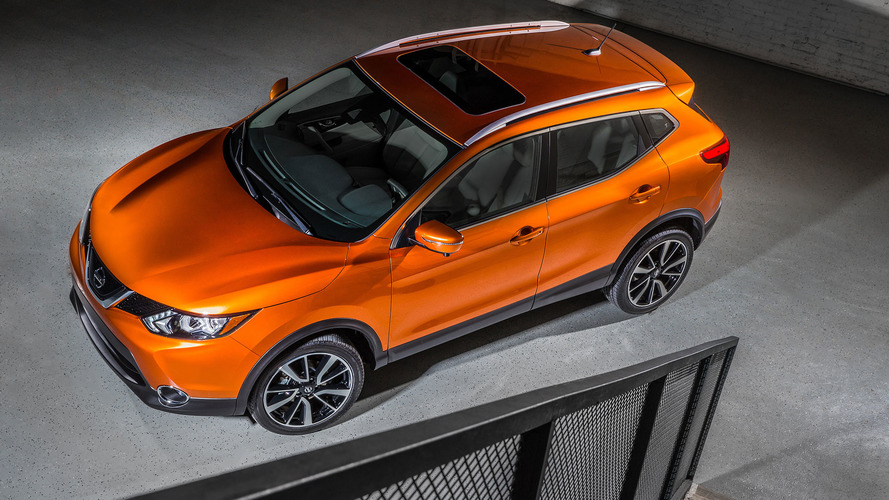 Nissan Prices 2017 Rogue Sport From $21420, On Sale In May