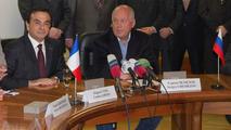 Renault Buys Minority Stake in AvtoVAZ