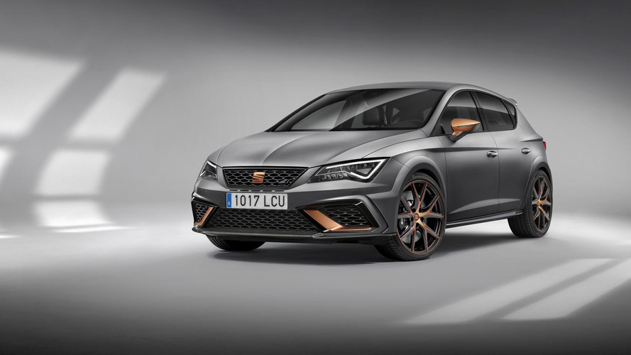SEAT Leon Cupra R Breaks Cover With 310 Horsepower