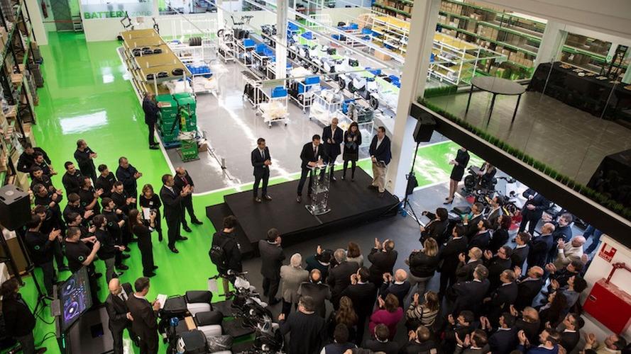 Scutum inaugura su fábrica de scooters eléctricos en Barcelona