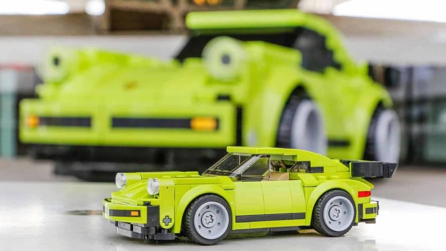 Une Porsche 911 Turbo Lego grandeur nature