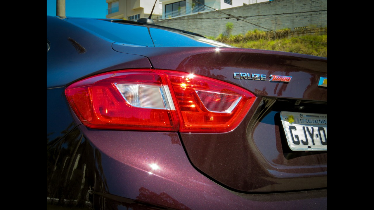 Teste CARPLACE: Novo Civic 2.0 já chama o Cruze 1.4 turbo para o duelo do ano