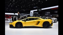 Como é acelerar de 0 a 100 km/h um Lamborghini Aventador SV? - vídeo