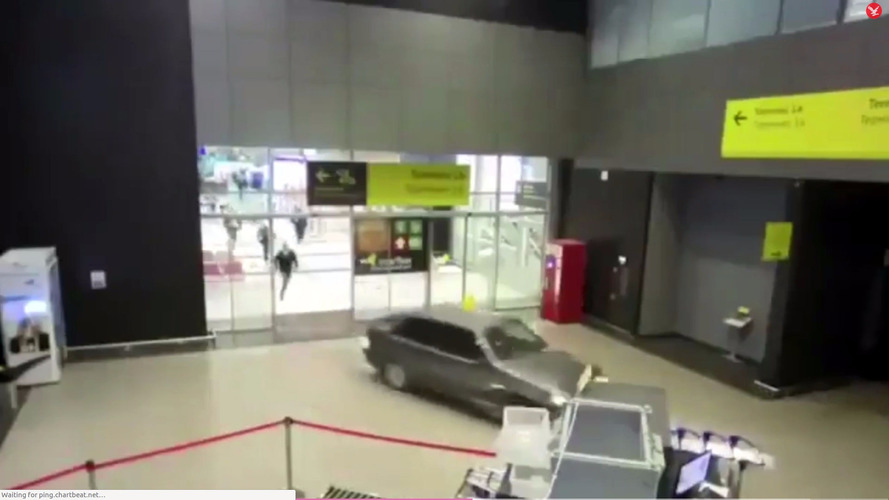 Drunken Russian airport ride set to Benny Hill song is hilarious